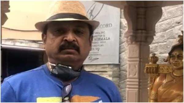 vk naresh donates 10 lakhs to maa members