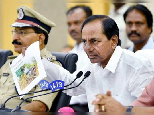 Hyderabad: Telangana Chief Minister K. Chandrashekhar Rao addresses media person...
