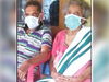 कोरोना: बुजुर्ग दंपती की 'लव स्टोरी', उन्हें ICU में रखा गया ताकि एक-दूसरे को देख सकें