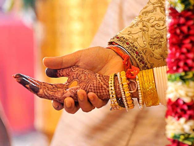 शादी के बाद पति को इन 5 चीजों के बारे में नहीं बताना चाहिए