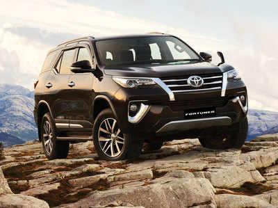 Toyota Fortuner स्टैंडर्ड मॉडल
