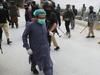 पाकिस्तान: इमरान खान न दे सके डॉक्टरों को पीपीई किट, अब सेना करेगी मदद