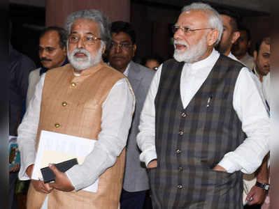 पीएम मोदी के साथ TMC नेता सुदीप बंदोपाध्याय। (फाइल फोटो)