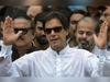 कोरोना: बिस्किट पर जिंदगी गुजार रहीं पाकिस्तानी छात्राएं, वापस लाने को तैयार नहीं इमरान खान
