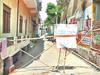 कोरोना: संक्रमण से बचने के लिए लोगों ने कॉलोनियों को किया सील, लगाए पोस्टर और बैरिकेडिंग