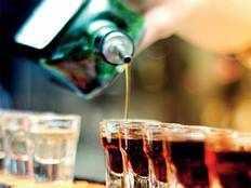 वेस्ट यूपी में शराब माफिया ने निकाला लॉकडाउन में शराब बेचने का नया तरीका, 2 अरेस्ट