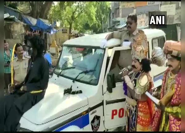 पुलिस के साथ निकले 'यमराज'