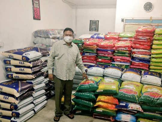 Producer Ishari Ganesh donates 500 rice bags to Nadigar Sangam