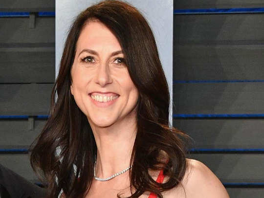 mackenzie bezos is 22nd richest person of the world according to forbes billionare list, her story of divorce with jeff bezos