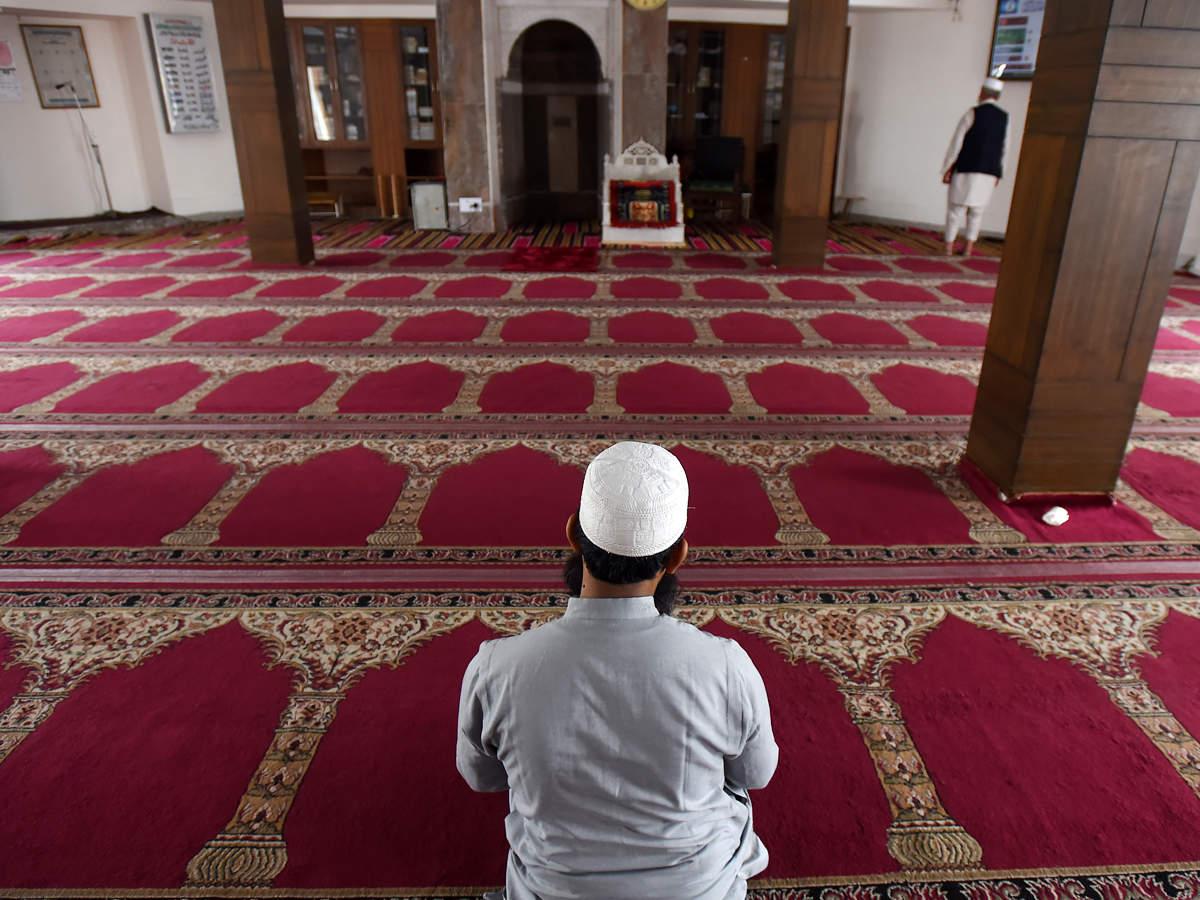 ईद का त्योहार आज, मस्जिदों में 5 लोग ही पढ़ेंगे नमाज, धर्मगुरुओं ने की है ये अपील