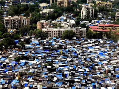 धारावी में हैं हजारों झुग्गियां