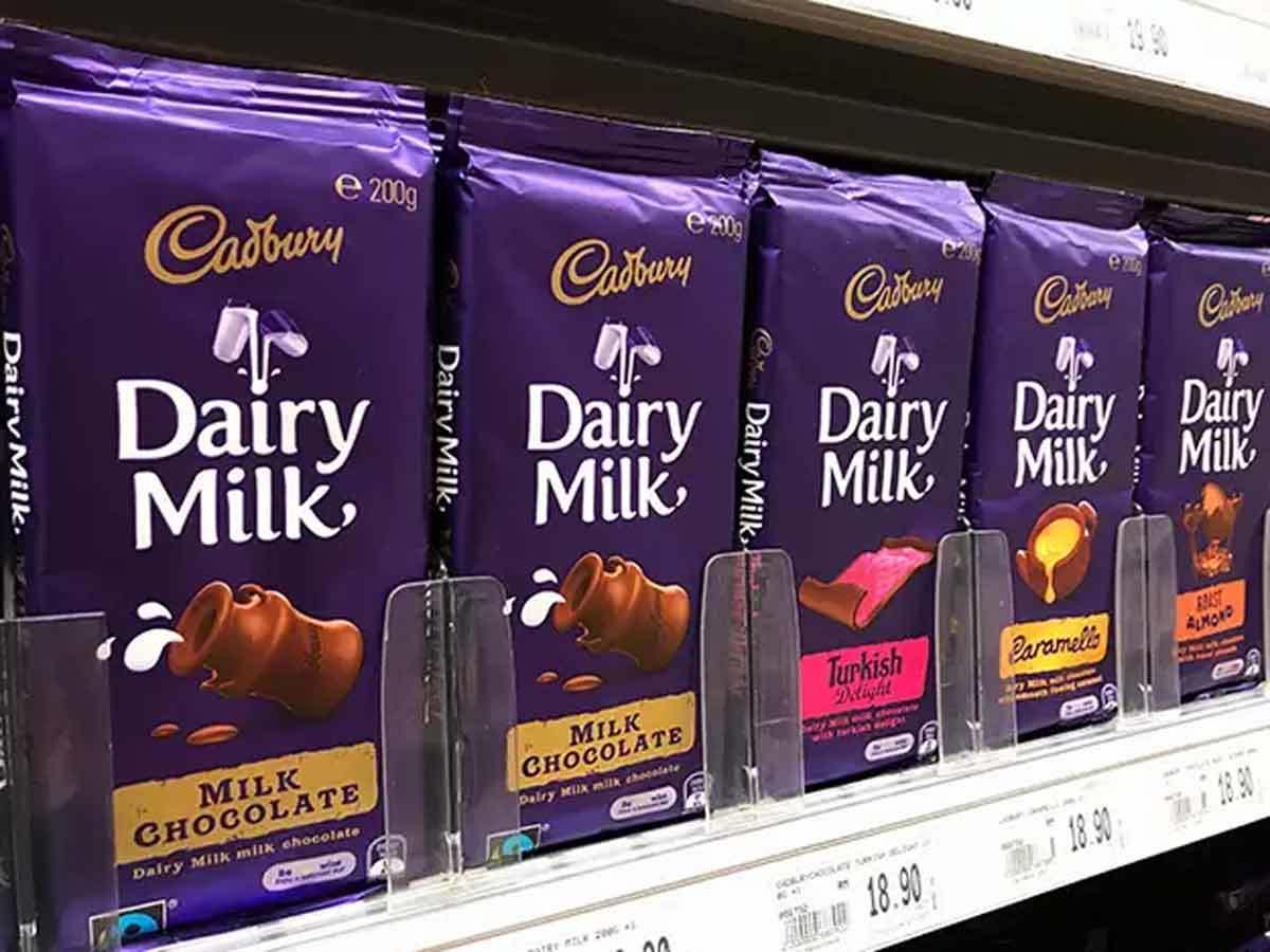 cadbury: गरीबों और जरूरतमंदों के बीच 23 लाख चॉकलेट और 3.60 लाख बिस्किट पैक  बांटेगी कैडबरी - cadbury to distributes lakhs of chocolates among poor and  needy | Navbharat Times