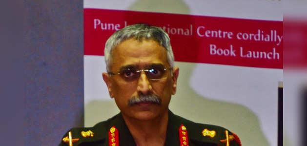 कोरोना त्रासदी में हम दुनिया भर को दवा भेज रहे, पाकिस्तान आतंकी भेज रहा: सेना प्रमुख