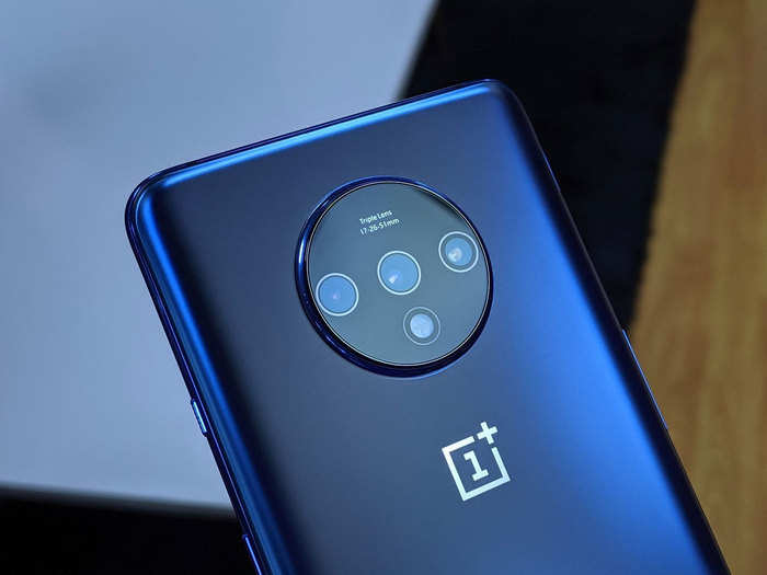 oneplus 7t pro gets rs 6,000 price cut after oneplus 8 series launch in india