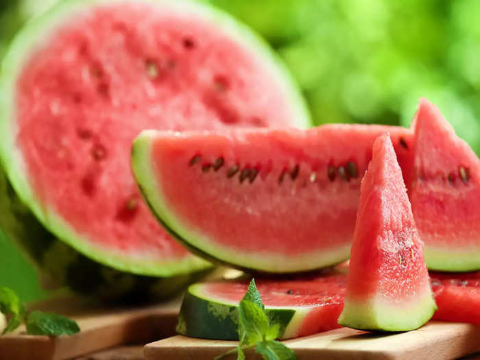 how to choose or buy the right water melon in hindi