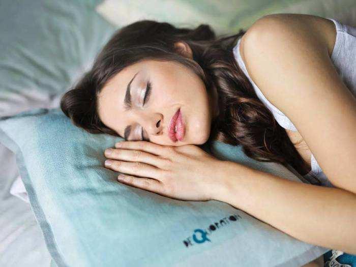 How To Get Sleep : रात को नहीं आती है नींद, अपनाएं ये तरीके