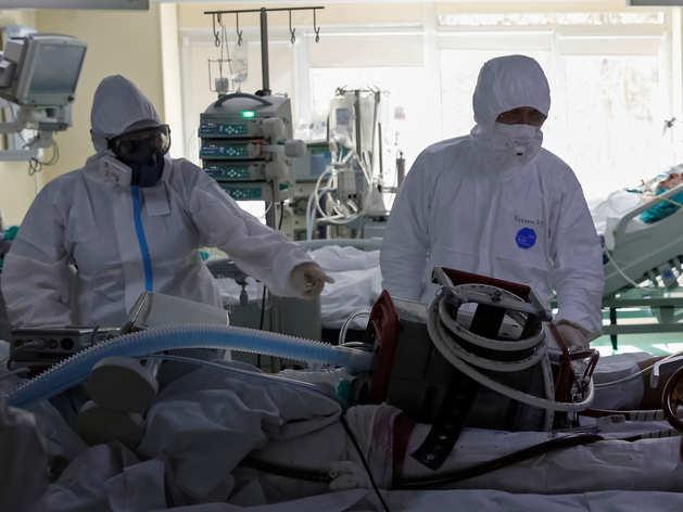 Coronavirus की चपेट में 32 लाख से ज्यादा लोग, 2.3 लाख से ज्यादा की मौत