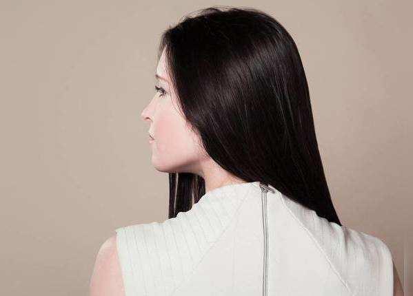 बालों को झड़ने से बचाए