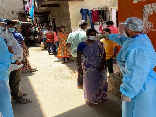 धारावी में सोशल डिस्टेंसिंग मुमकिन नहीं