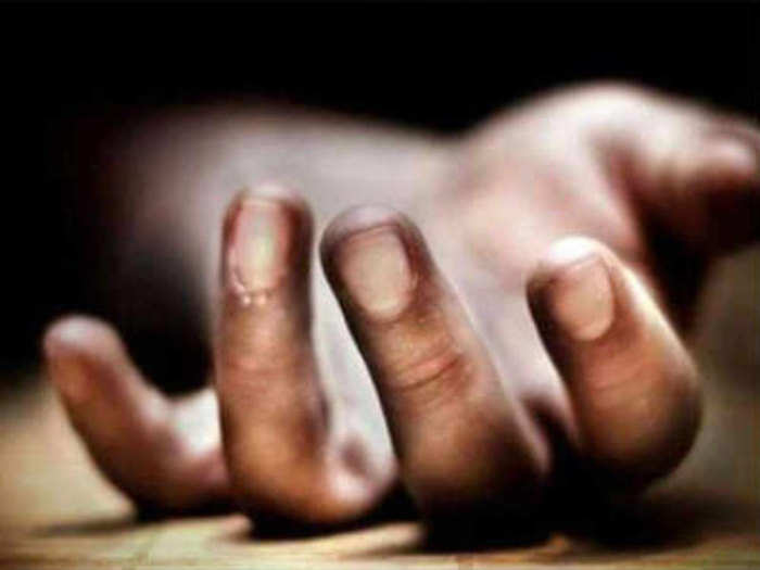Doctor Death: सीतापुर में डॉक्टर की मौत, बगैर पोस्टमॉर्टम शव देने का आरोप  - doctor died during treatment in sitapur uttar pradesh, family accused  hospital for giving dead body without postmortem  