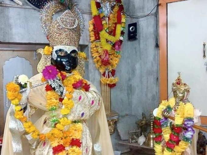 Meerabai is worshiped with Krishna