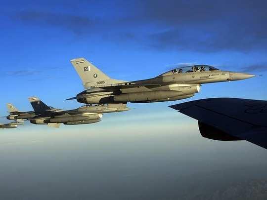 PAF F16