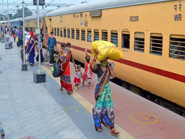 १५ शहरांसाठी ट्रेन ; तिकीट काढण्याआधी हे वाचा