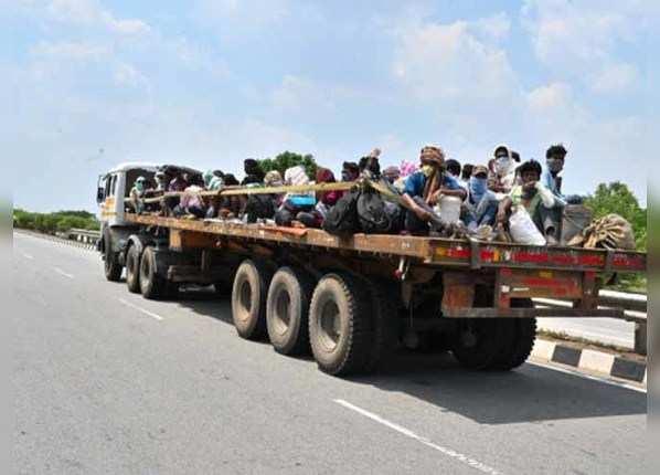 घर पहुंचने से 50 किमी पहले ही 12 साल की बच्ची की मौत