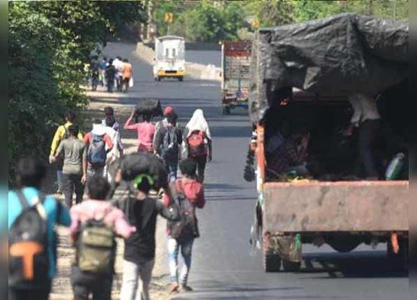 बिस्किट खाकर मुंबई से यूपी के लिए निकले, घर पहुंचकर मौत