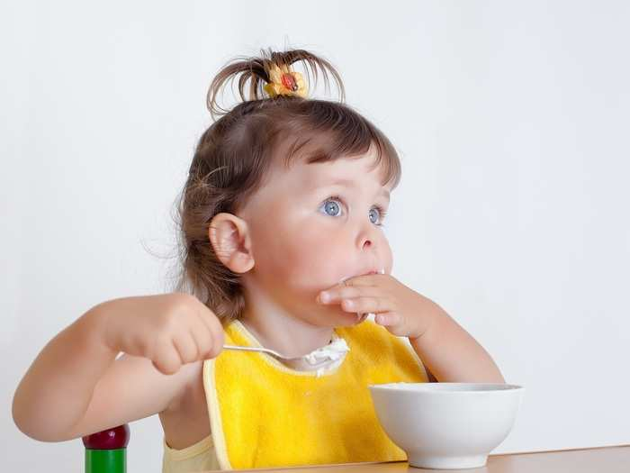 when babies can start to eat curd in hindi