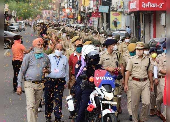 महिला सुरक्षाकर्मियों ने भी दिया साथ देने का भरोसा