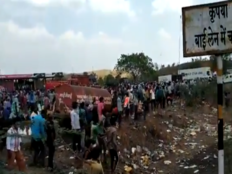 four migrant workers killed after being crushed by truck in barwani madhya pradesh