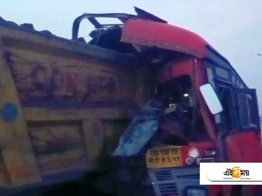 4 migrant workers killed, 15 injured as bus rams into truck in maharastra on Tuesday early morning