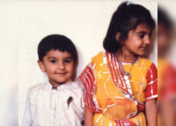 बहन के साथ क्यूट दिख रहे हैं रणवीर
