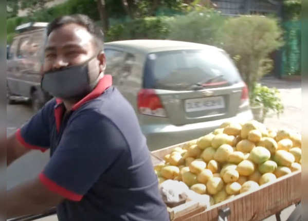 Fruits selling in Delhi for 8-10 years