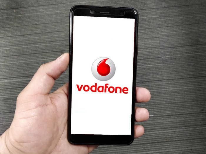 Vodafone-Idea यूजर्स को झटका, इन प्लान्स में अब नहीं मिलेगा Double Data