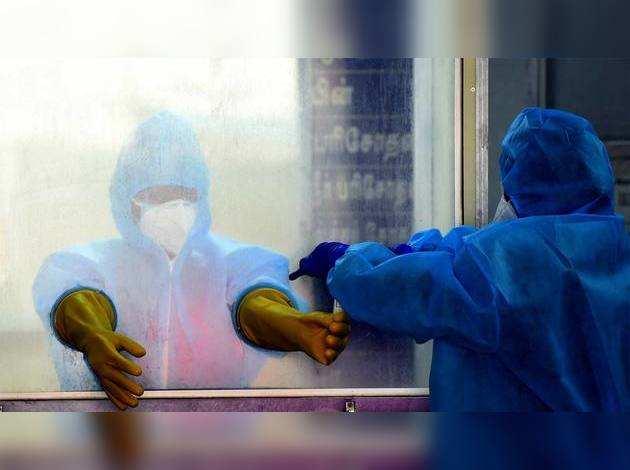 COVID-19: भारत में कोरोना के नये मामले बढ़े लेकिन रिकवरी रेट हुआ 40% के करीब
