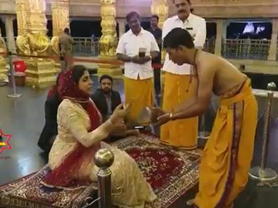मंदिर में दर्शन करने पहुंचींं यूएई की राजकुमारी
