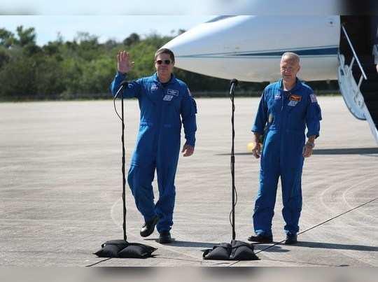 'स्पेस एक्स'चे अंतराळवीर उड्डाणासाठी सज्ज