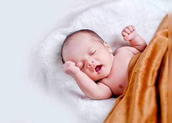 शिशु की मालिश करने के फायदे
