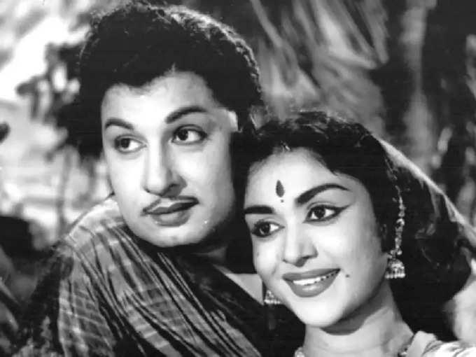 எம்.ஜி.ஆர் - சரோஜா தேவி