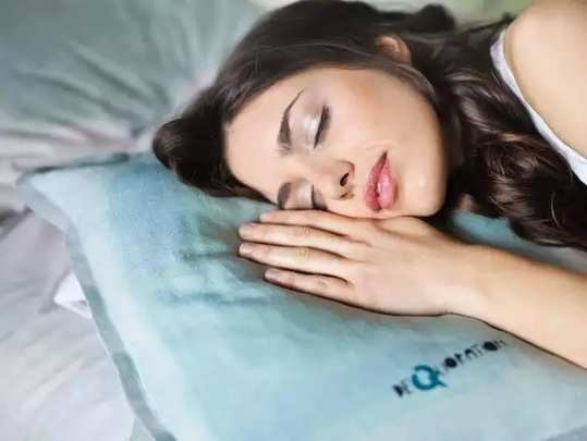 know the right time to replace your pillows to avoid disease in Marathi