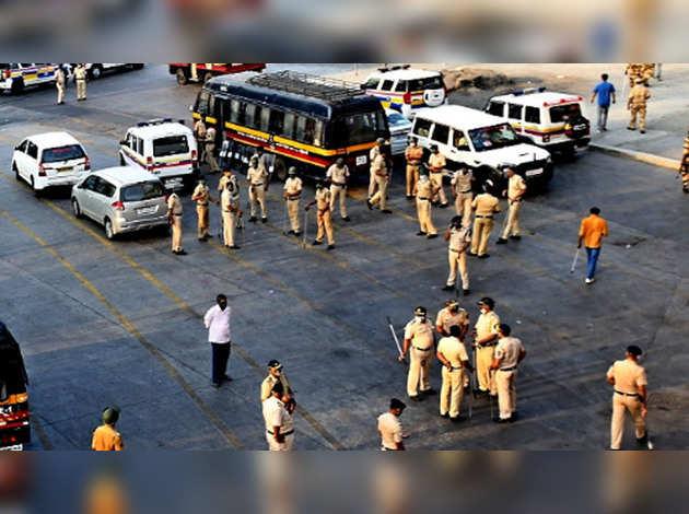 COVID-19: मुंबई के ओशिवारा थाने में 12 पुलिसकर्मी कोरोना पॉजिटिव