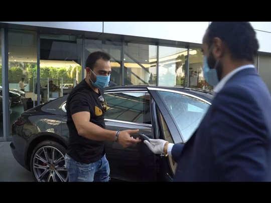 Vikas Kohli buys Porsche Panamera