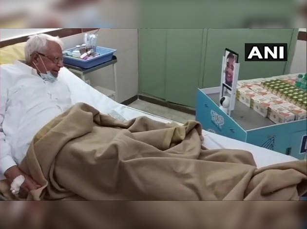 PGIMER चंडीगढ़ में डॉक्टरों का कमाल, कोविड-19 मरीजों के लिए 15 दिन में बनाई अनोखी रोबॉटिक ट्रॉली DOOT