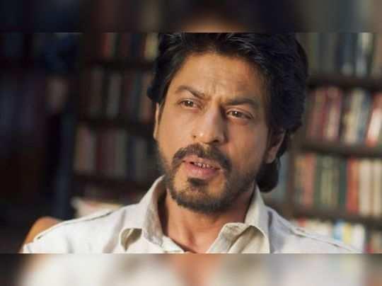 दोन मराठी लेखकांनी शाहरुख खानवर केला कथा चोरल्याचा आरोप