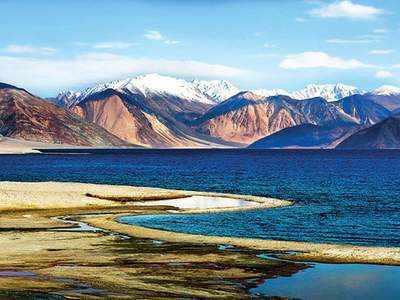 पैंगोंग झील के उत्तरी किनारे से चीन बार-बार घुसपैठ करता रहा है। (फाइल फोटो)