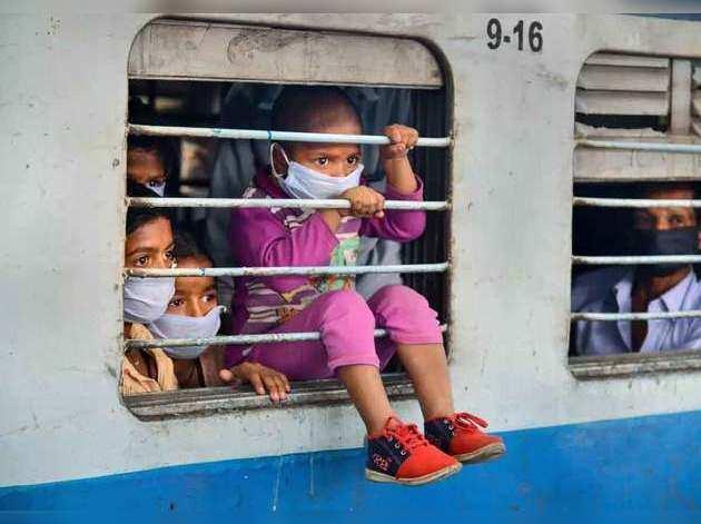 रेलवे का तोहफा, श्रमिक स्पेशल ट्रेनों में अब मजदूरों को अब 5 बोतल तक रेल नीर फ्री में