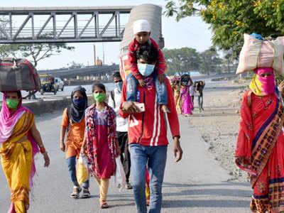 देश के तमाम शहरों से बड़ी संख्या में प्रवासी मजदूर पैदल ही अपने-अपने राज्य जा रहे हैं