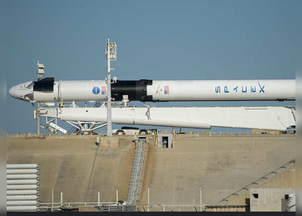Boeing से आगे निकली SpaceX